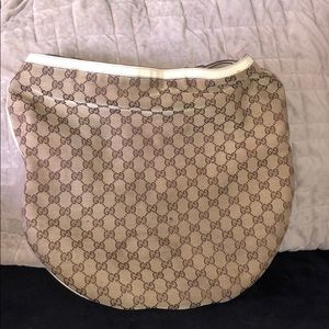 Beautiful vintage Gucci shoulder bag